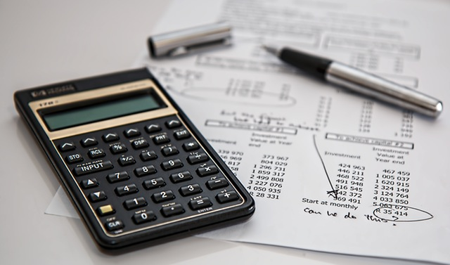 pexels-calculator-calculation-insurance-finance-53621