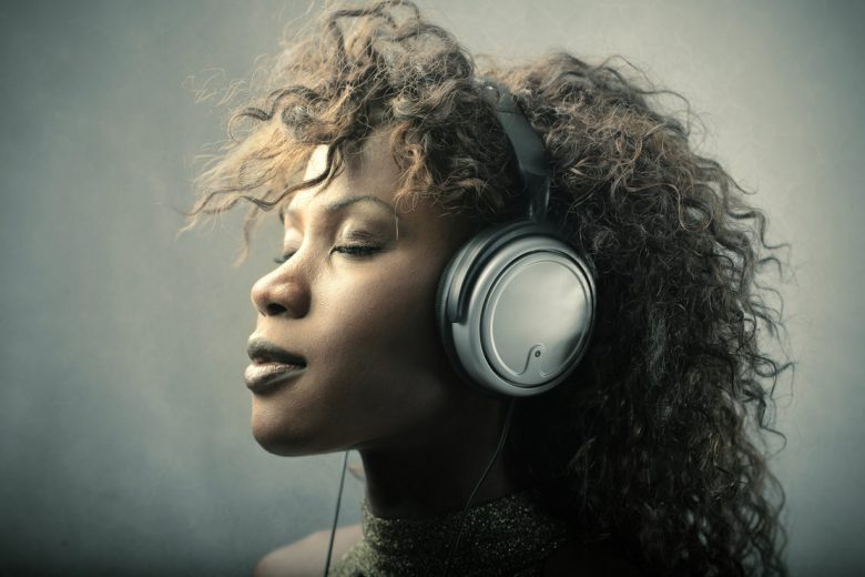 4 Ways Listening to Music While Working Can Boost Brain Power