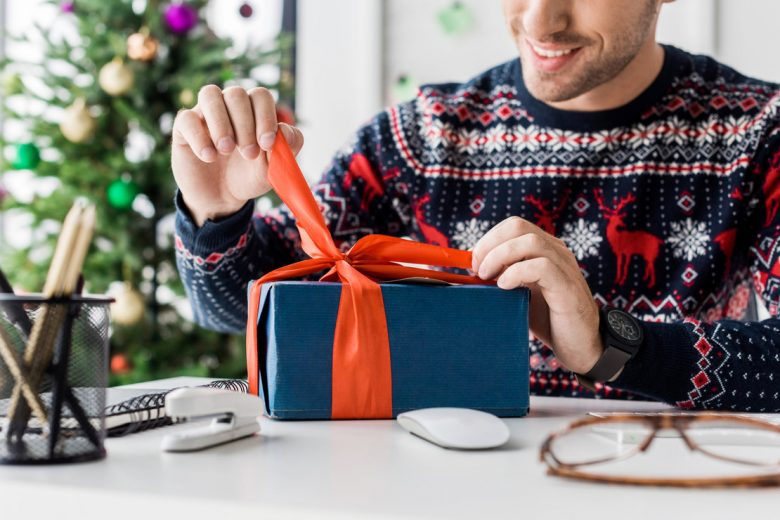 6 Holiday Gift Ideas Your Clients and Customers Will Love & 6 Holiday Gift Ideas Your Clients and Customers Will Love - StartUp ...