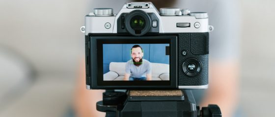 10 Best Cameras for Vlogging and Video Marketing