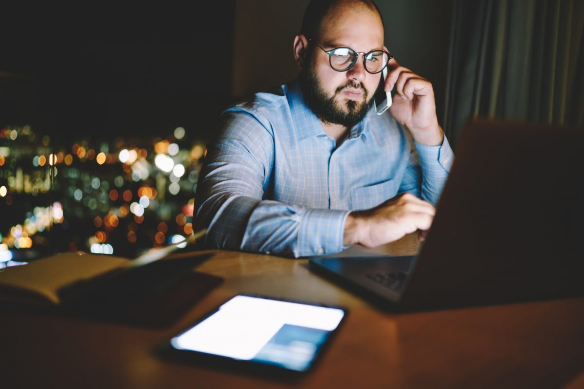 Protecting You and Your Employees from the Dangers of Too Much Screen Time – StartUp Mindset